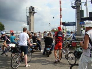 Lautta Pohjanmeren kanaalin yli, Amsterdam