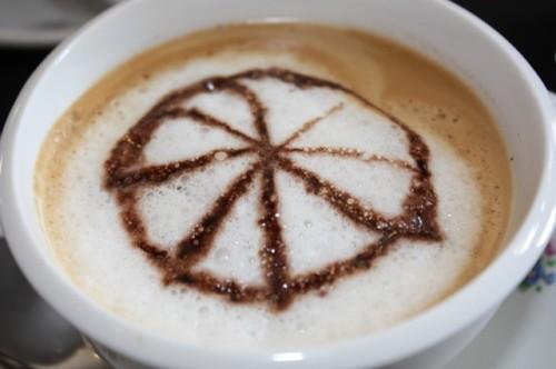 Kuppi kahvia Centrum Ronde van Vlaanderenissa, Oudenaar, BE