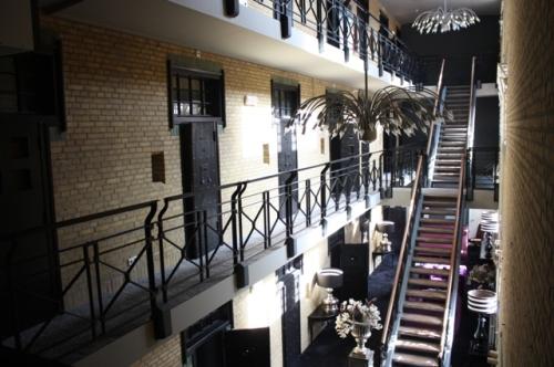 Huis van Bevaring, Almelo, NL. Vankilaan tehty B&B.